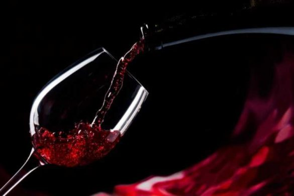 вино в бокале-1